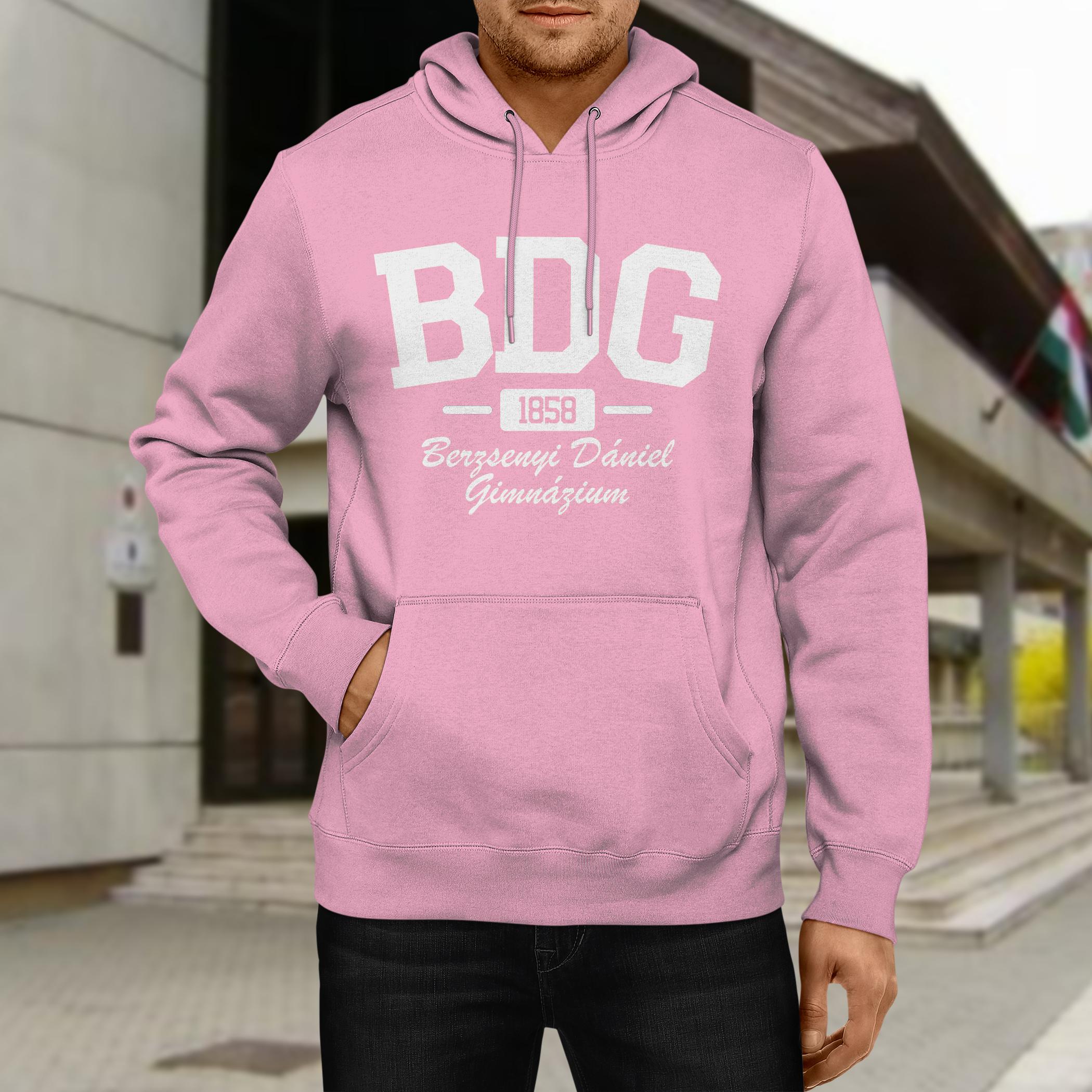 Rózsaszín pulóver fehér nyomattal
